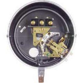 Bourdon Tube Pressure Switches Dwyer DA/DS